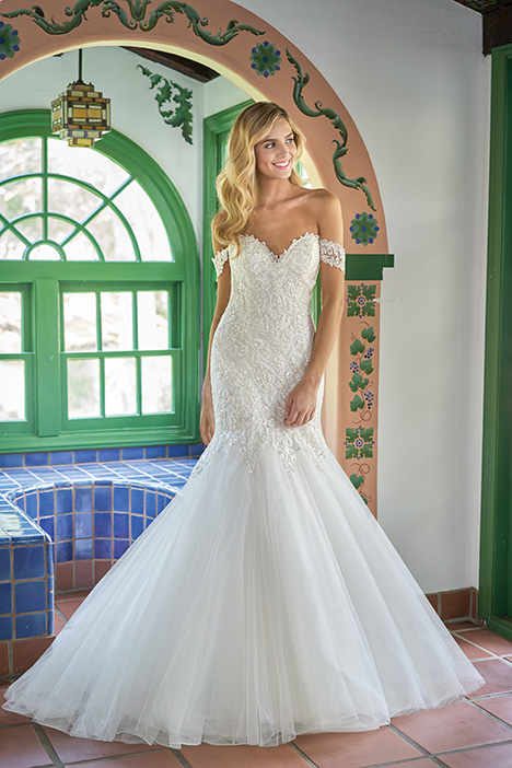 F211009 Wedding                                          dress by Jasmine Collection