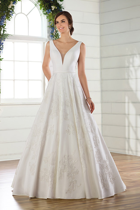 D2639 Wedding                                          dress by Essense of Australia