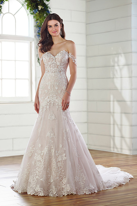 D2642 Wedding dress by Essense of Australia