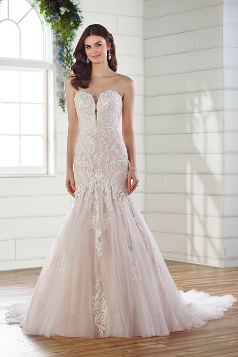 D2673 Wedding                                          dress by Essense of Australia