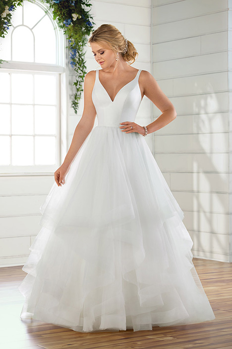 D2724 Wedding                                          dress by Essense of Australia