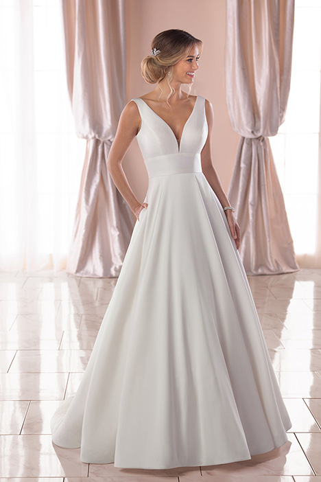 6758 Wedding dress by Stella York