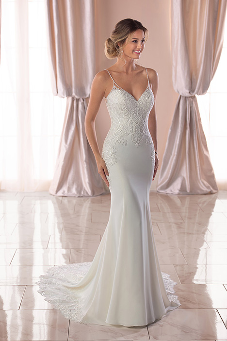 6767 Wedding                                          dress by Stella York