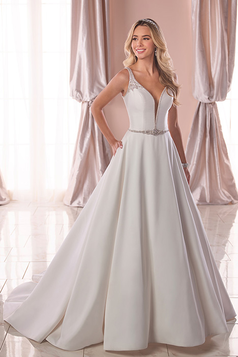 6782 Wedding                                          dress by Stella York