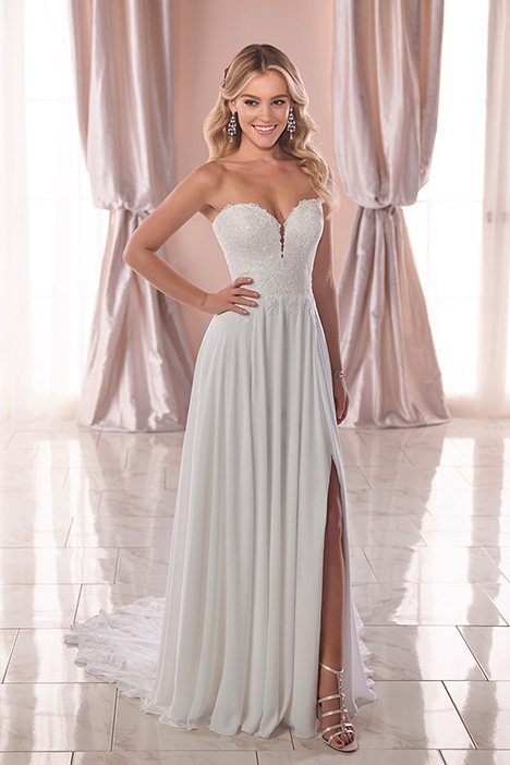 6786 Wedding                                          dress by Stella York
