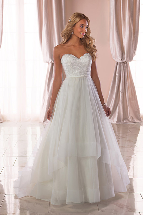 6808 Wedding                                          dress by Stella York