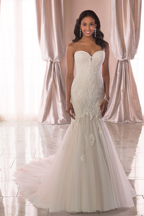 6816 Wedding                                          dress by Stella York