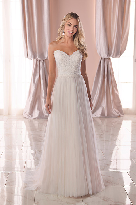 6820 Wedding                                          dress by Stella York