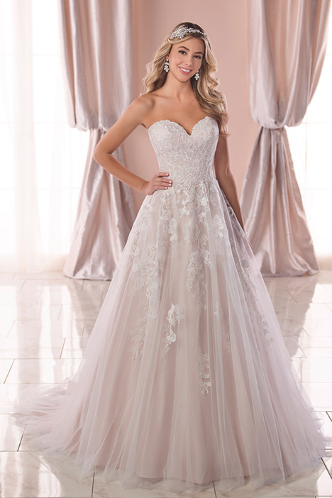 6745 Wedding                                          dress by Stella York