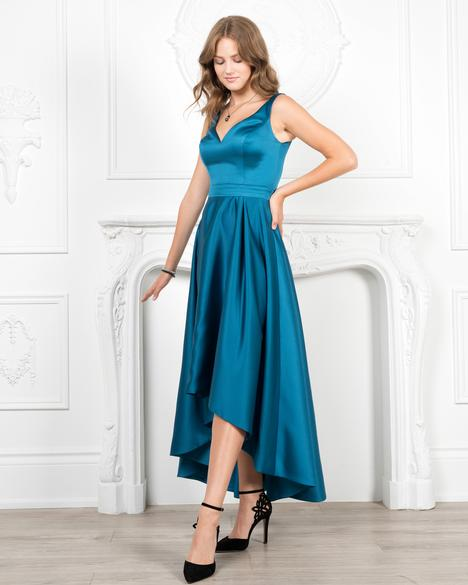 Style 7957 gown from the 2019 Romantic Maids collection, as seen on dressfinder.ca