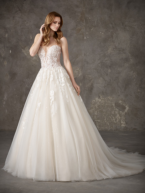 NALON Wedding                                          dress by Pronovias Privée