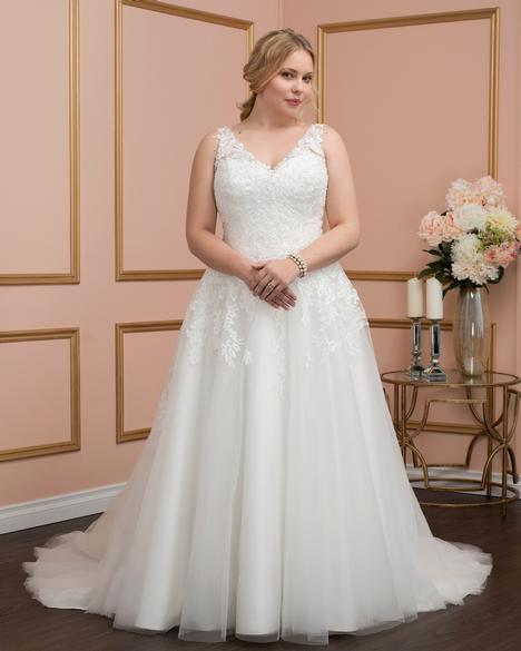 8026w Wedding                                          dress by Romantic Bridals: Curvy Bride