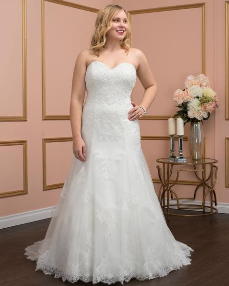 8028w Wedding                                          dress by Romantic Bridals: Curvy Bride