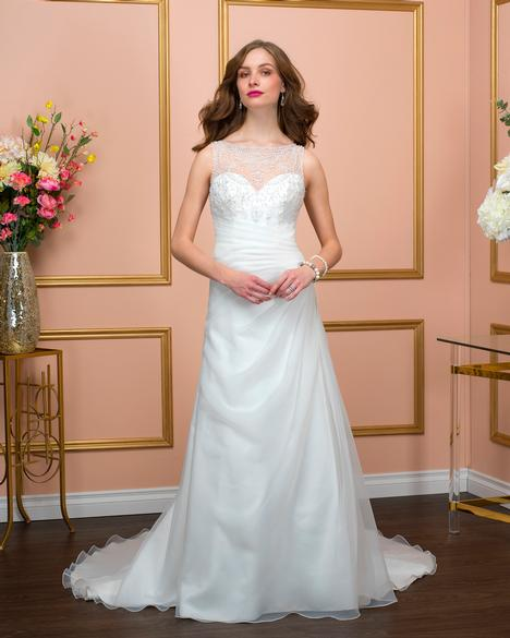 Style 8009 gown from the 2018 Romantic Bridals collection, as seen on dressfinder.ca