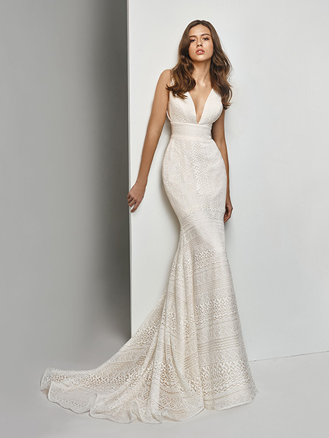 BT19-12 Wedding                                          dress by Enzoani Beautiful Bridal