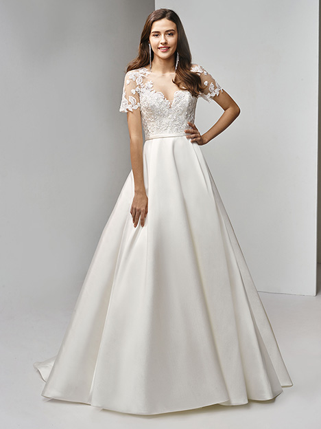 BT19-15 Wedding                                          dress by Enzoani Beautiful Bridal