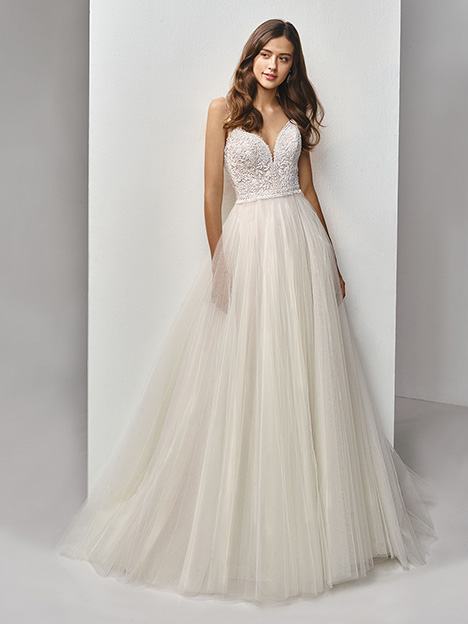 BT19-16 Wedding                                          dress by Enzoani Beautiful Bridal