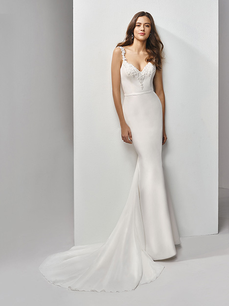 BT19-17 Wedding                                          dress by Enzoani Beautiful Bridal