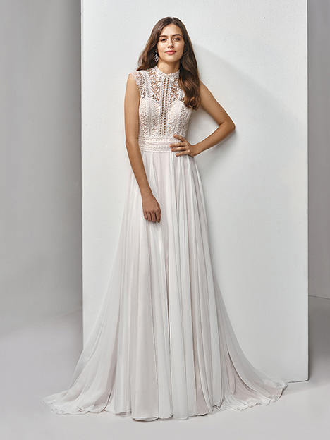 BT19-19 Wedding                                          dress by Enzoani Beautiful Bridal