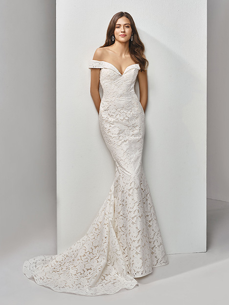 BT19-27 Wedding                                          dress by Enzoani Beautiful Bridal