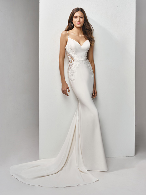 BT19-02 Wedding                                          dress by Enzoani Beautiful Bridal