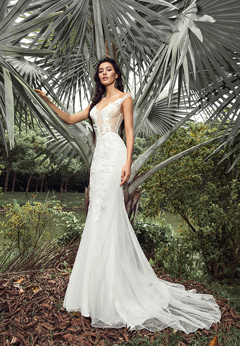 Lola (901500385) Wedding                                          dress by Chic Nostalgia