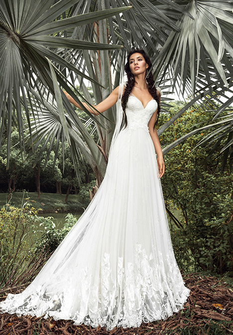 Paloma (901500379) Wedding                                          dress by Chic Nostalgia