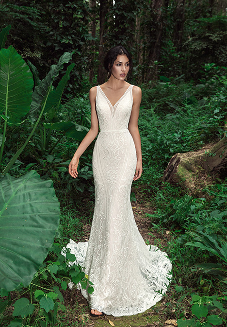 Poe (901500336) Wedding                                          dress by Chic Nostalgia