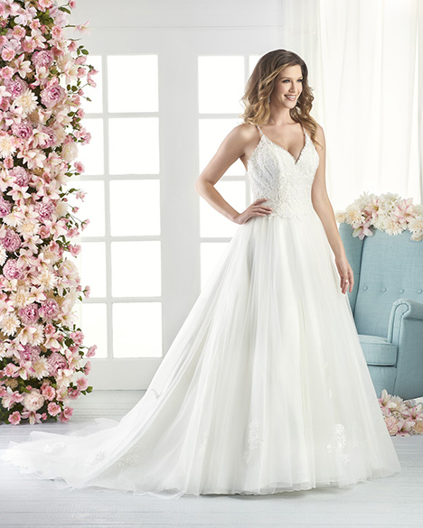 802 Wedding                                          dress by Bonny Bridal