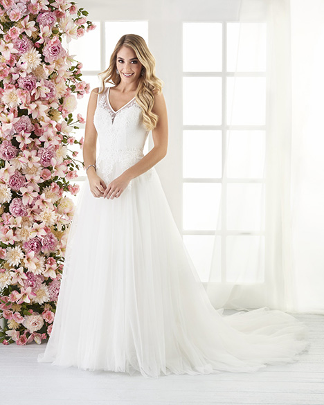 806 Wedding                                          dress by Bonny Bridal