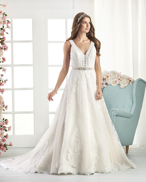 819 Wedding                                          dress by Bonny Bridal