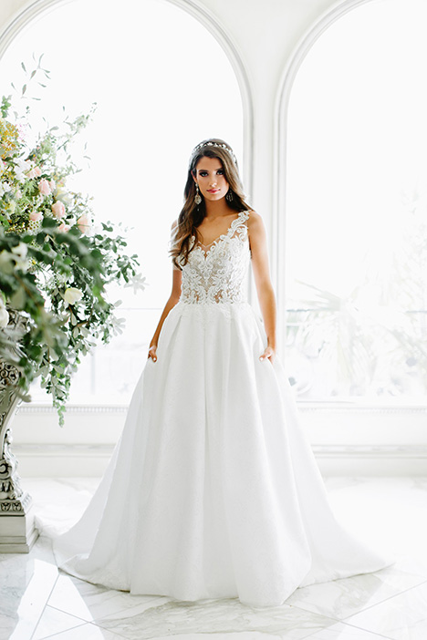 825 Wedding                                          dress by Bonny Bridal