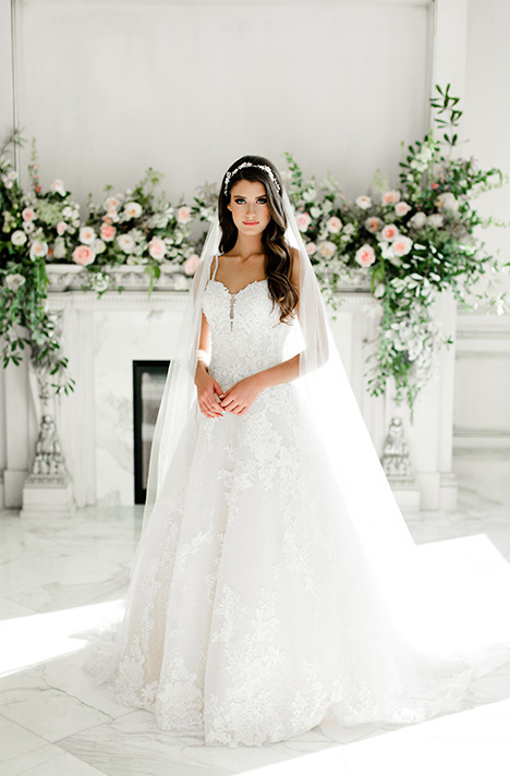 831 Wedding                                          dress by Bonny Bridal