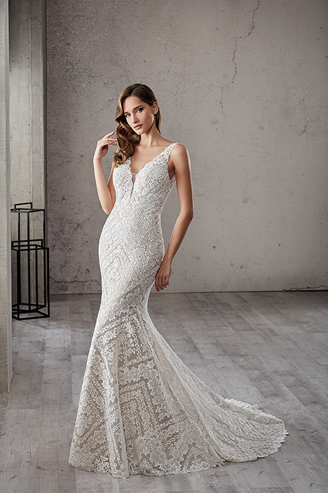 CT224 gown from the 2019 Eddy K Couture collection, as seen on dressfinder.ca