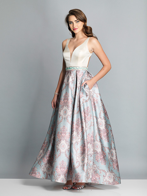 7946 gown from the 2019 Dave & Johnny Special Occasions collection, as seen on dressfinder.ca