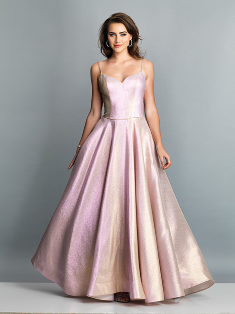 7662 gown from the 2019 Dave & Johnny Special Occasions collection, as seen on dressfinder.ca