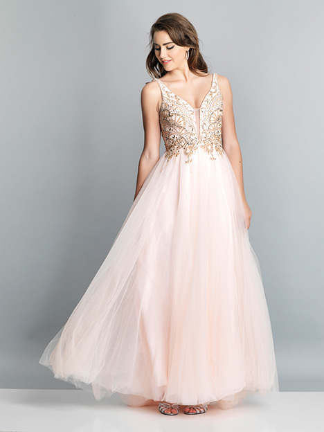 7536 gown from the 2019 Dave & Johnny Special Occasions collection, as seen on dressfinder.ca
