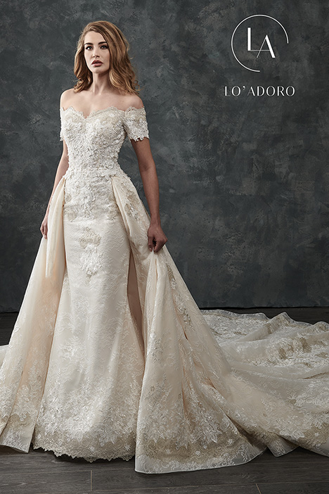 M669 Wedding dress by Lo' Adoro