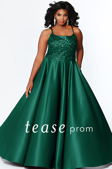 TE 1902 Shamrock gown from the 2019 Tease Prom+ collection, as seen on dressfinder.ca