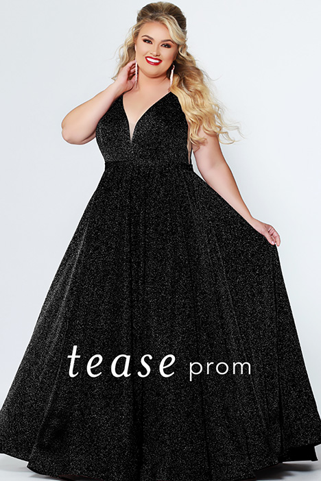 TE 1910 Black gown from the 2019 Tease Prom+ collection, as seen on dressfinder.ca