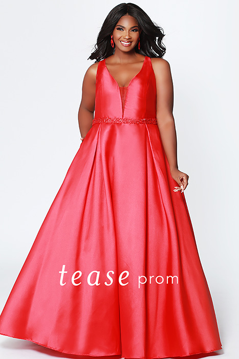 TE 1912 Ruby gown from the 2019 Tease Prom+ collection, as seen on dressfinder.ca