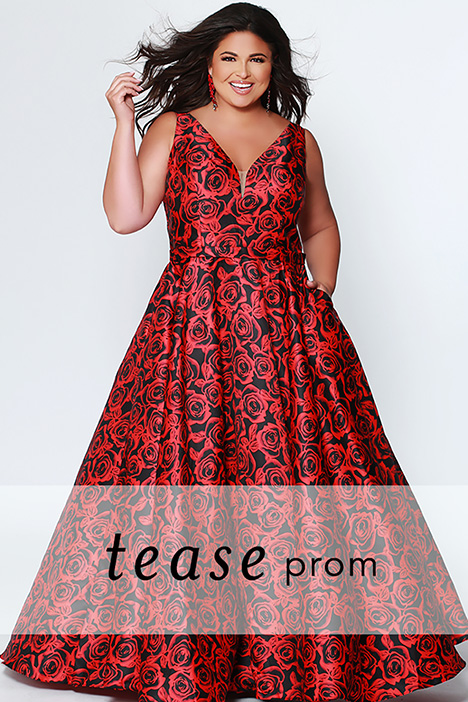 TE 1915 gown from the 2019 Tease Prom+ collection, as seen on dressfinder.ca