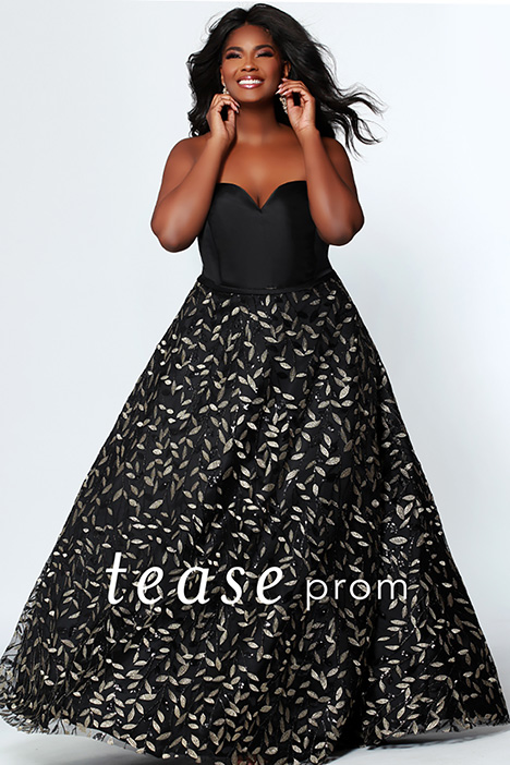 TE 1920 Black gown from the 2019 Tease Prom+ collection, as seen on dressfinder.ca