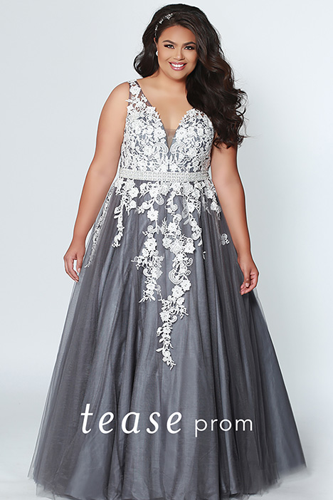 TE 1927 Gunmetal gown from the 2019 Tease Prom+ collection, as seen on dressfinder.ca