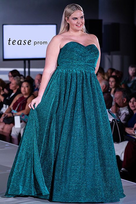 TE 1937 Runway  gown from the 2019 Tease Prom+ collection, as seen on dressfinder.ca