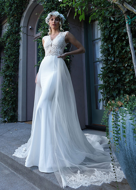 10729 gown from the 2019 Ashley & Justin Bride collection, as seen on dressfinder.ca